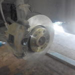 Замена передних дисков и колодок Volvo S80